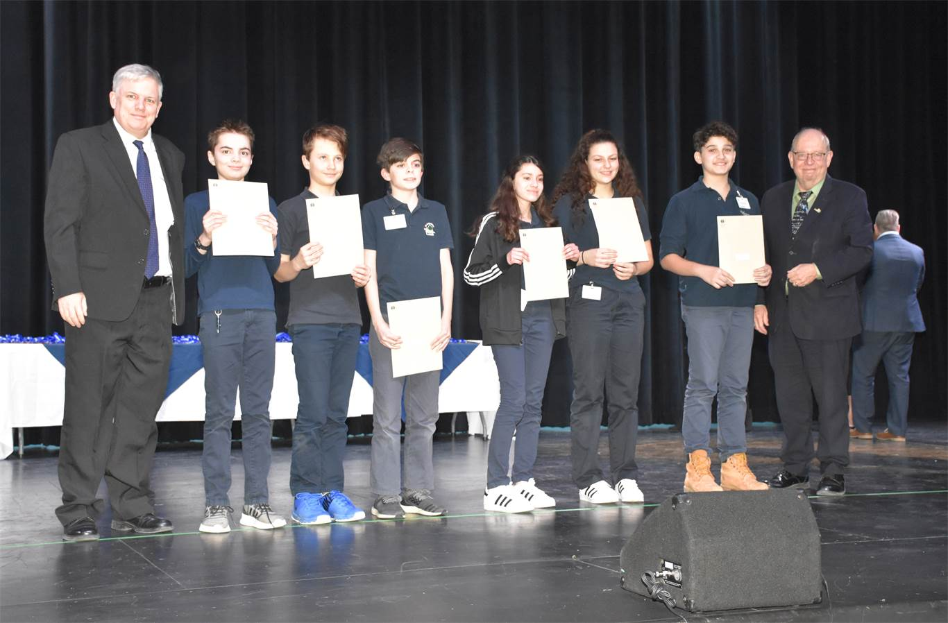 Kevin Hunt and Dan Bowman present BASEF awards to the top four exhibits in the fair. Pictured, from left to right, are Kevin Hunt, Tavian Augustus, Aiden Scheben, Steven Higgins, Daniella Iannuzzi, Alissa Guagliano, Anthony Saturnino, and Dan Bowman.